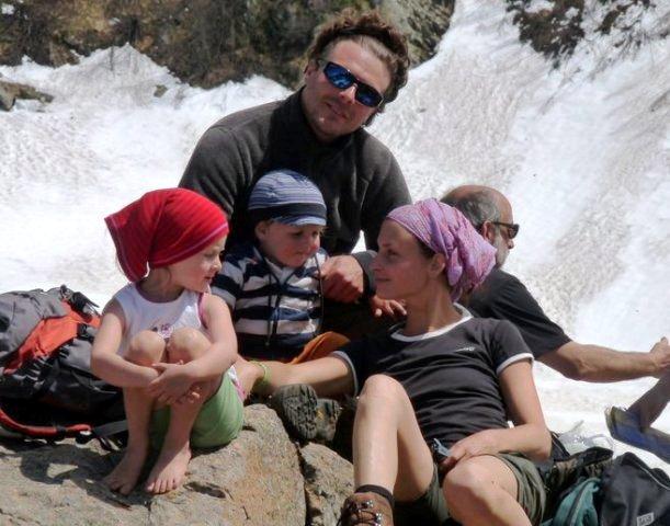 i gestori del b&b casa sul lago casa sul lago appartamenti per vacanze sul lago di Caldonazzo trentino ottimo punto di partenza per escursioni in montagna sul Lagorai