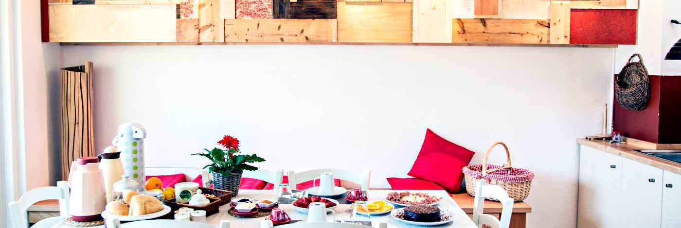 cucina artigianale fatta a mano b&b casa sul lago-appartamenti per vacanze