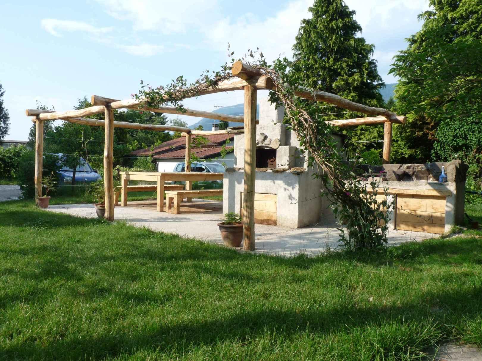 forno per le pizze e spazi comuni per i nostri ospiti qui al b&b casa sul lago casa sul lago appartamenti sul lago di caldonazzo trentino